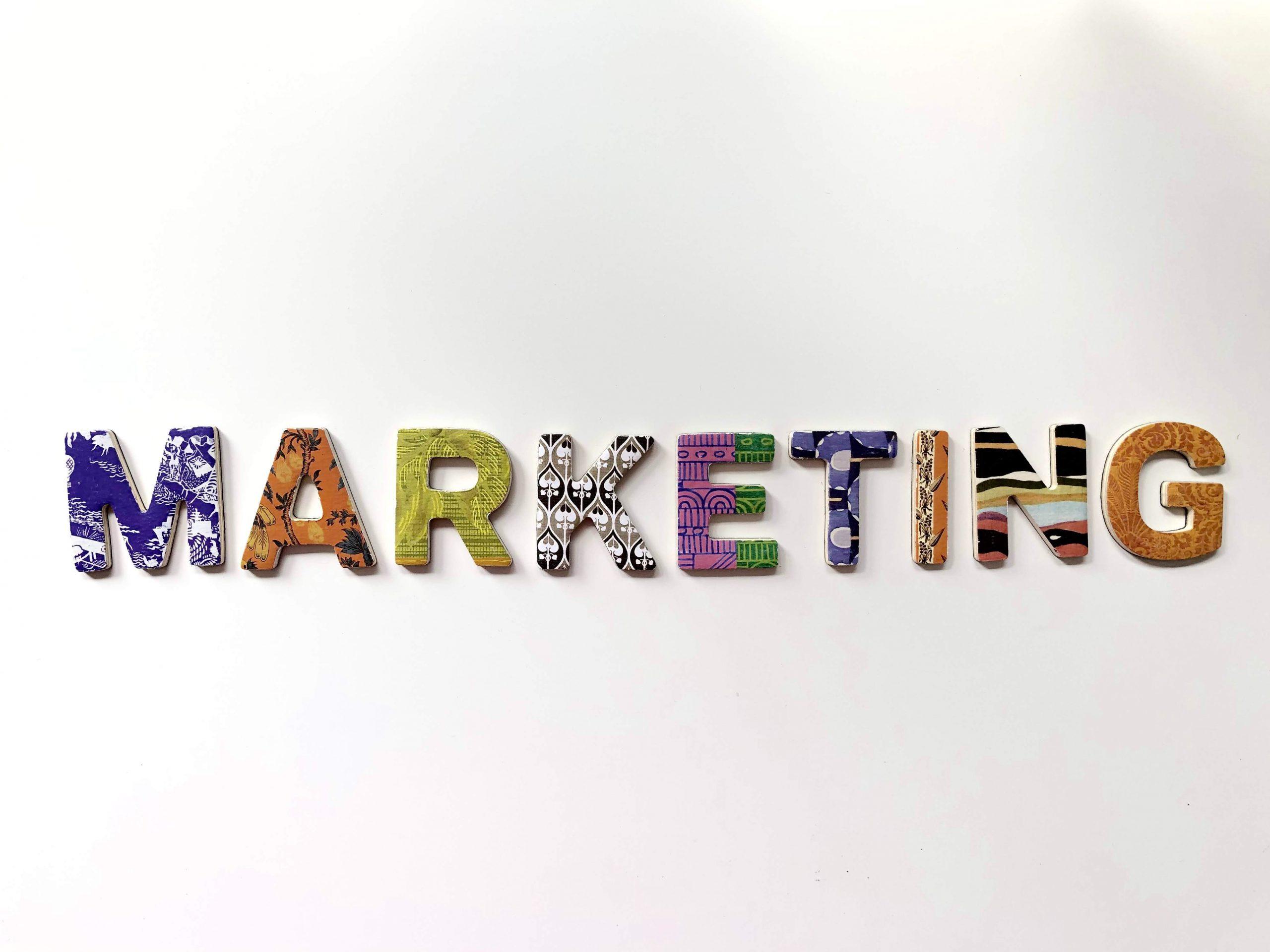 بهترین استراتژی¬های آینده بازاریابی هنوز به ارتباط با مشتریان بستگی دارد.